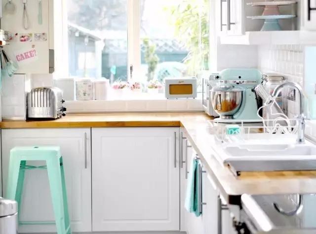 装修厨房3.webp