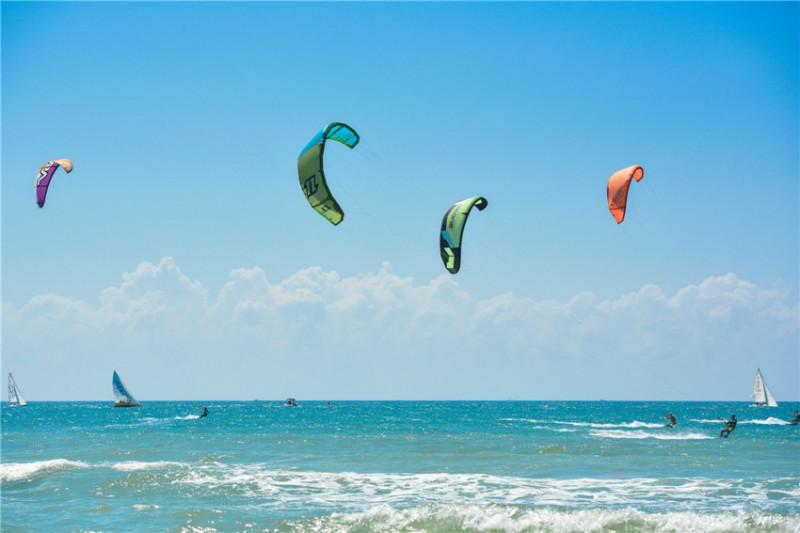 激情玩海-风筝冲浪: